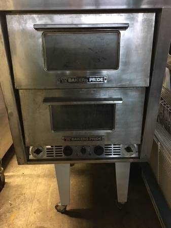Bakers Pride Countertop Electric Deck Pizza Oven Front 2