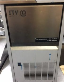 ITV NDP 55 44lb Capacity Countertop Ice Maker Inside