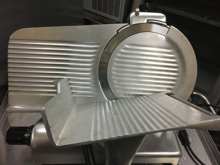 Globe G12 12″ Manual Gravity Feed Slicer Overview